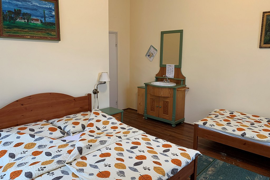 2. szoba franciaágy